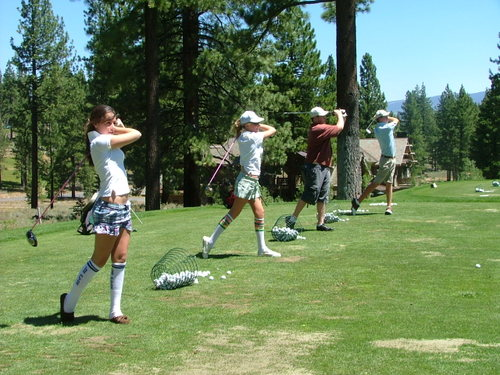 Four perfect golf students!